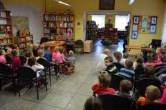 Dzieci w bibliotece-Przedszkole nr2 10.03.2015