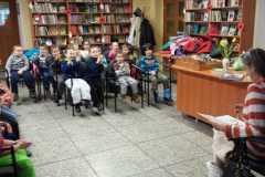 Dzieci w bibliotece 09-02-015