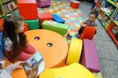 Dzieci w bibliotece -20180118